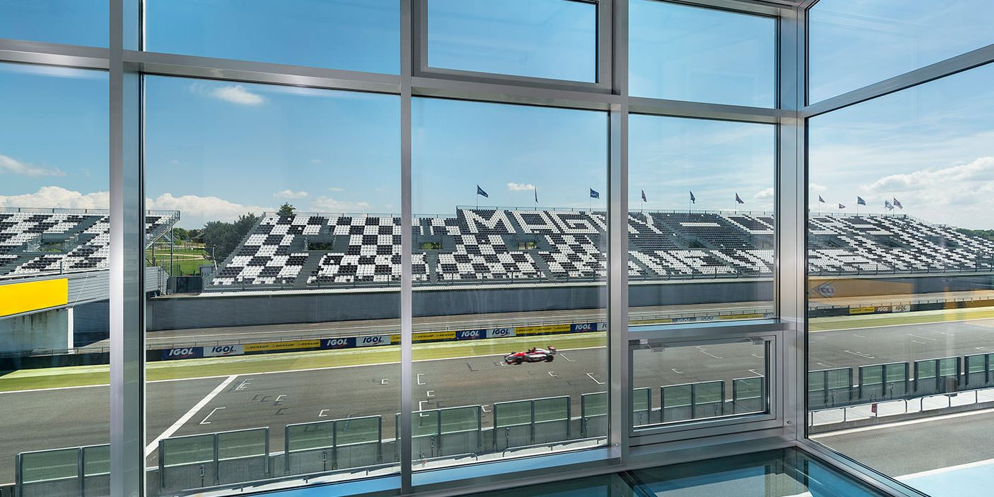magny-cours-realisation-installux-1
