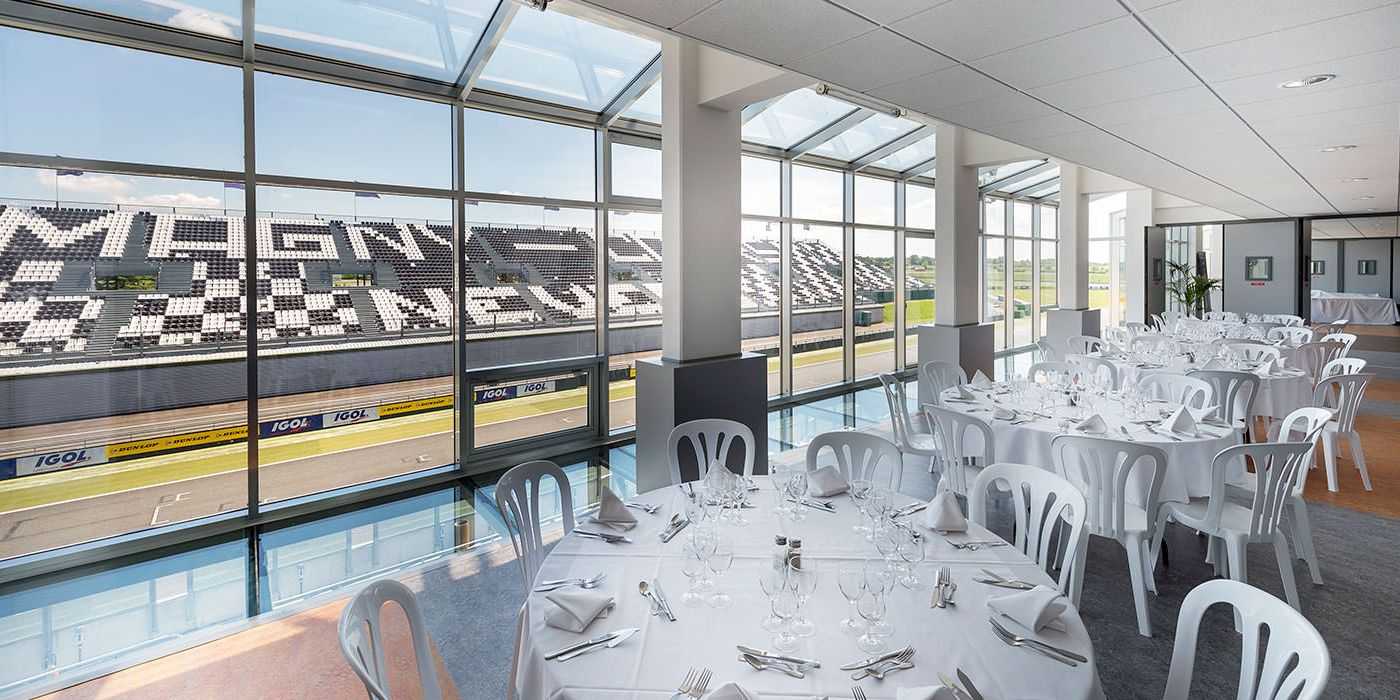 magny-cours-realisation-installux-2