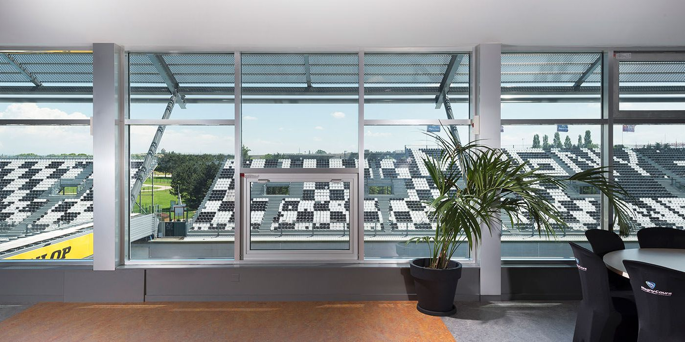 magny-cours-realisation-installux-3